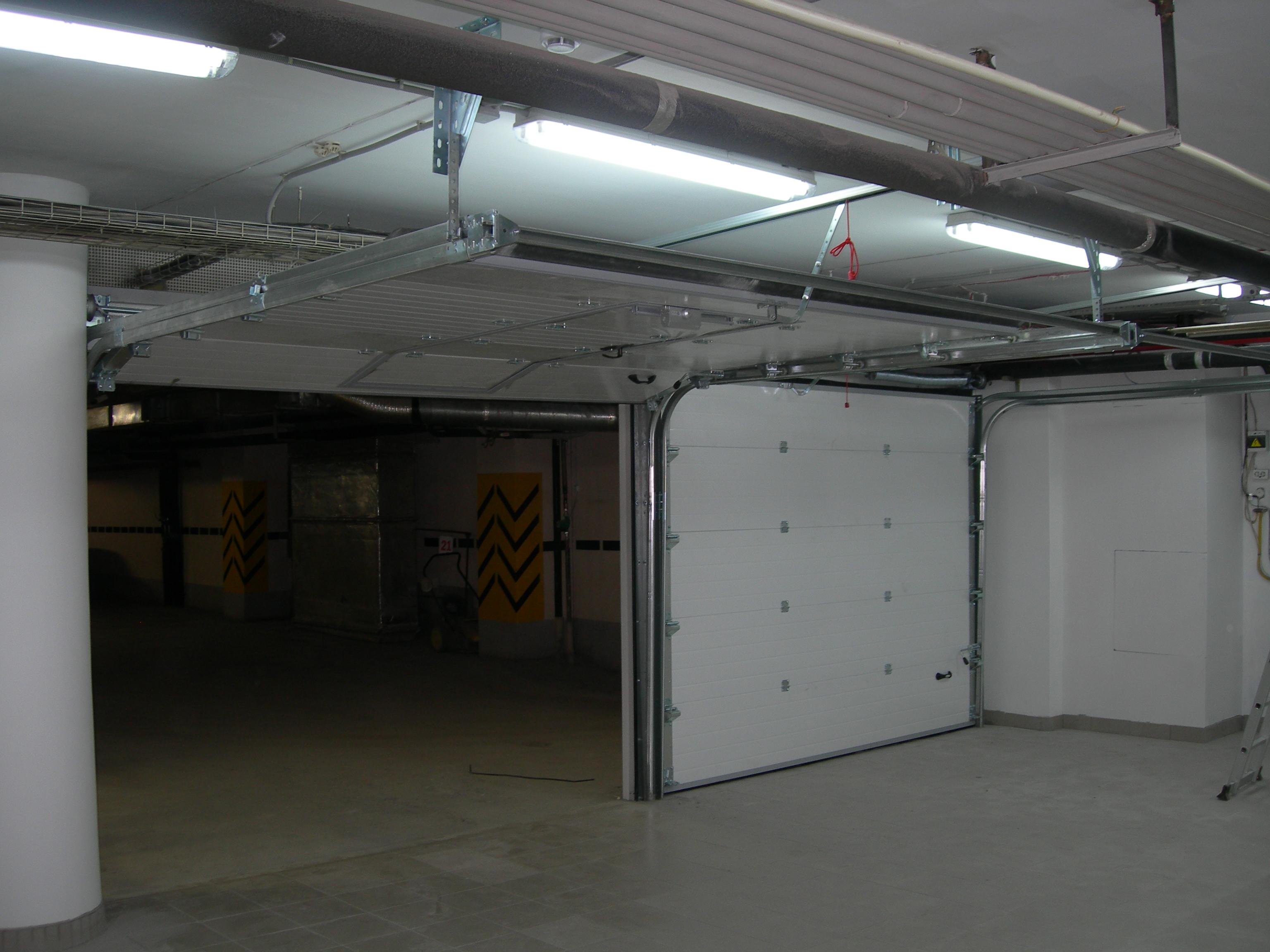 Паркинг Бизнес центра «Антей»